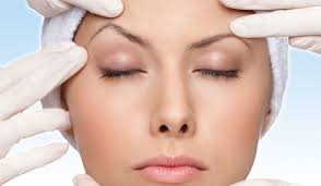 The Benefits of an Eyelid Lift